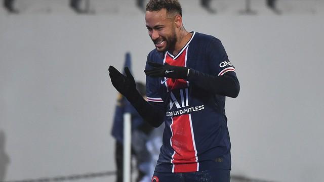Neymar volta com gol, e PSG vence Supercopa da França sobre Olympique de Marselha
