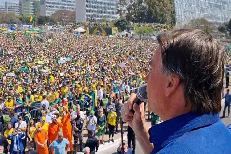 Jair Bolsonaro repete tom e diz que não cumprirá decisões de Alexandre de Moraes