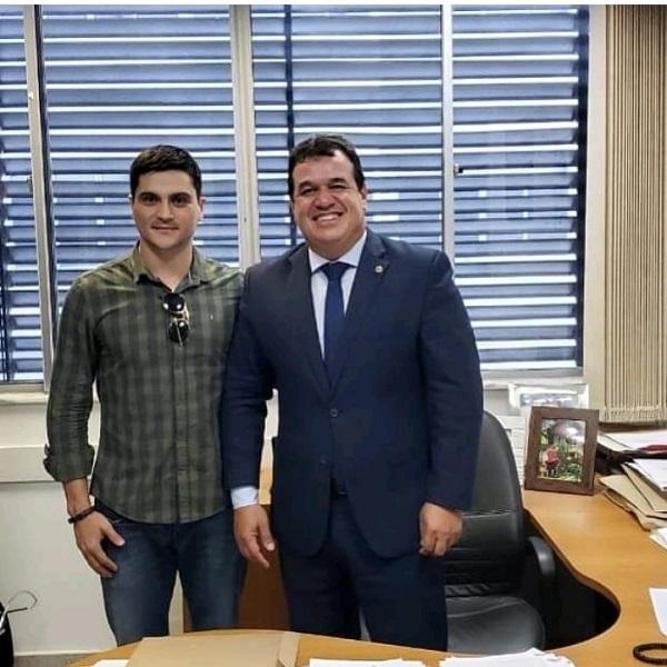 Deputado Marquinho Viana encaminha demandas de Caraíbas para os órgãos do governo