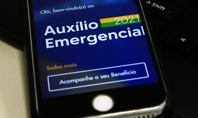 Caixa paga hoje auxílio emergencial a nascidos em novembro