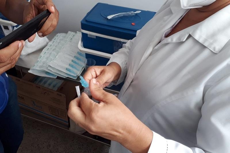 CIB recomenda retomada imediata da vacinação de adolescentes na Bahia